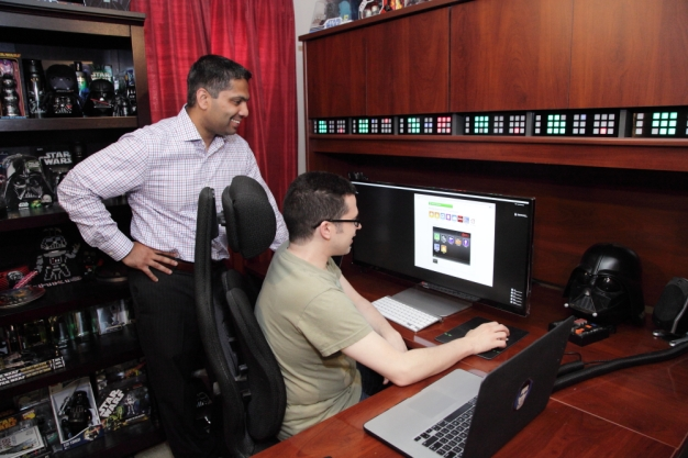 Pirollo and Mathew look at Xfinity Home on computer
