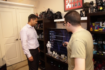 Mathew and Pirillo look at Xfinity Smarthome on TV